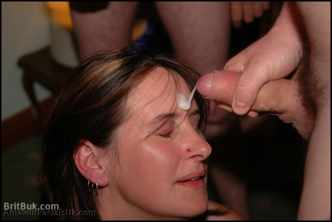 Sophie: British MILF First Party for AmateurFacialsUK