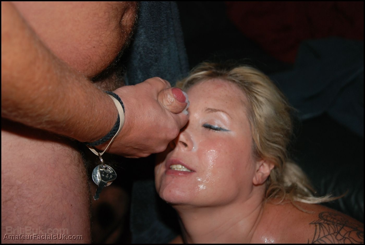 Nice ass bukkake cum facial on milf nice