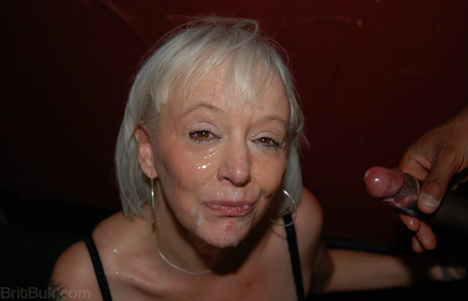 The sweet life of the brazilian mature beauty valeria - 2 part 4