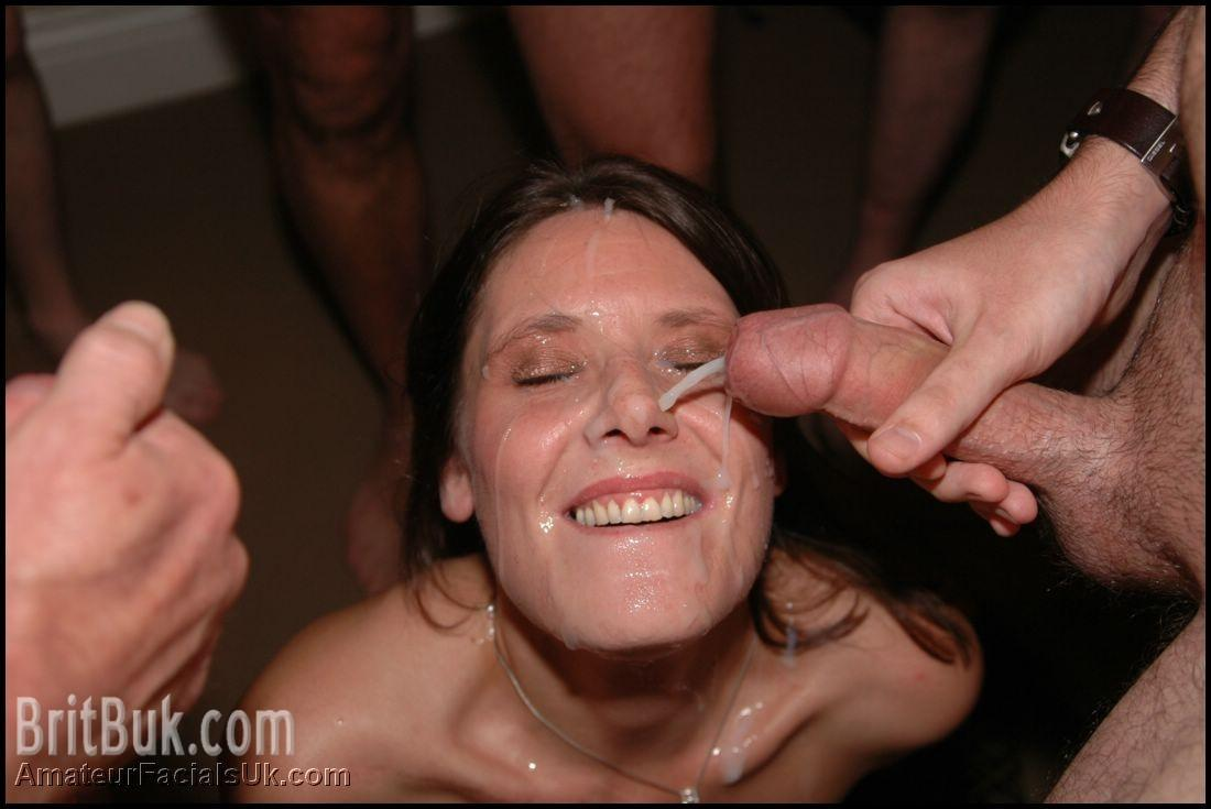 Cover that MILF Smiling Face with CUM!