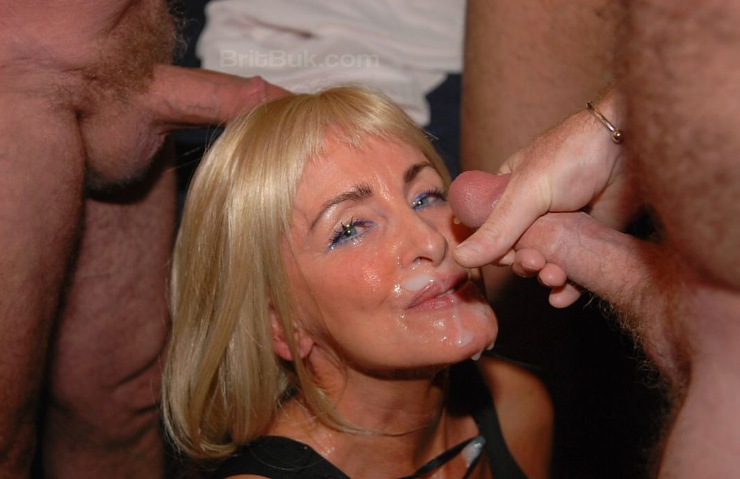 Has English mature women sucking cock even more