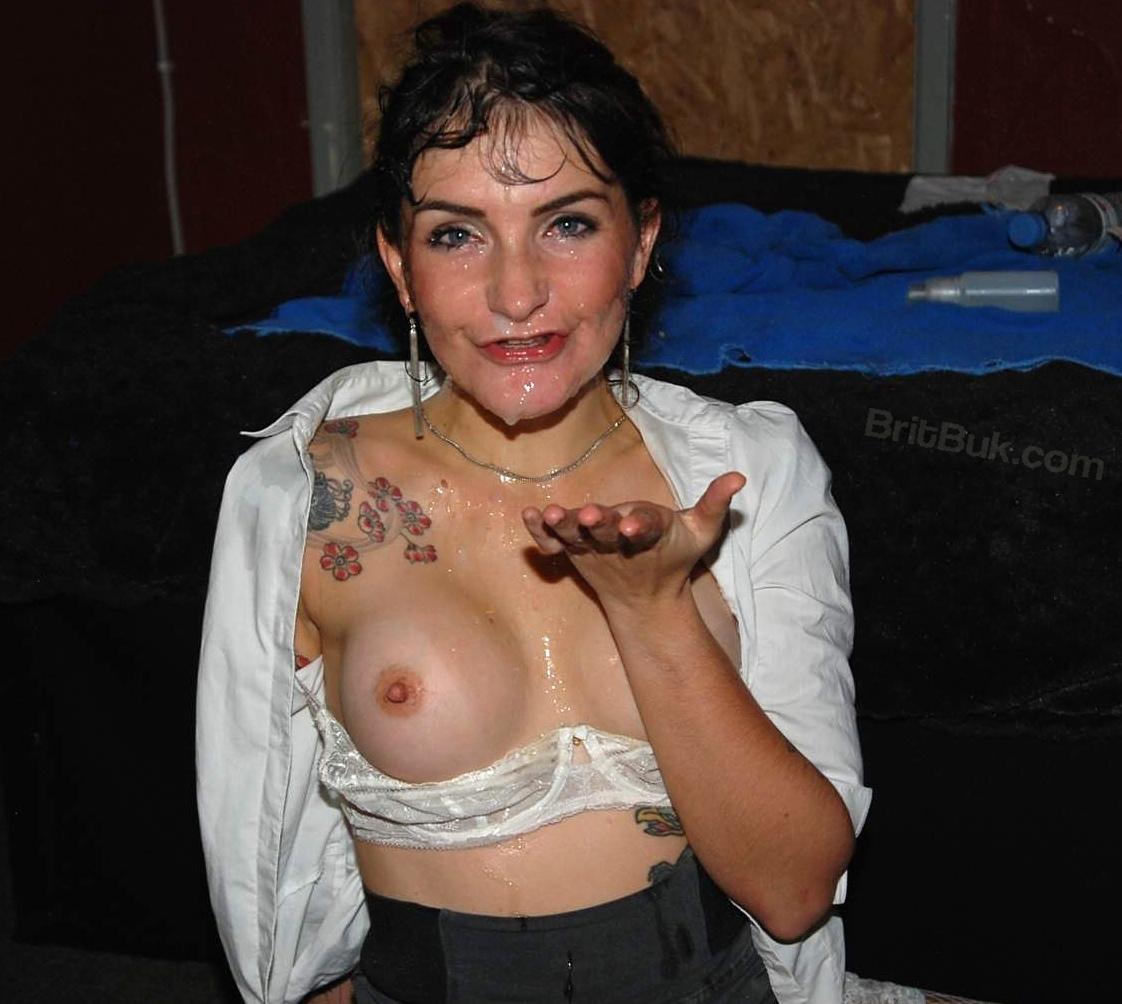 Mature female voyeur